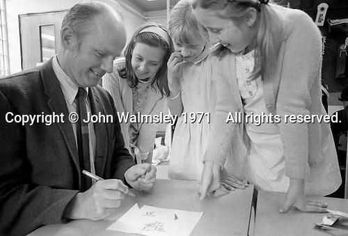 John Holt, American educationalist, visiting Julian's Primary School, Streatham, London.  1971.