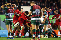 Saracens players celebrate at the final whistle. Gallagher Premiership match, between Leicester Tigers and Saracens on November 25, 2018 at Welford Road in Leicester, England. Photo by: Patrick Khachfe / JMP
