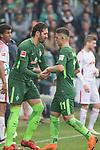 15.04.2018, Weser Stadion, Bremen, GER, 1.FBL, Werder Bremen vs RB Leibzig, im Bild<br /> <br /> ein auswechselung Ishak Belfodil (Werder #29)<br /> Milot Rashica (Werder Bremen #11)<br /> <br /> Foto &copy; nordphoto / Kokenge