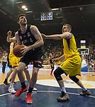14.04.2018, EWE Arena, Oldenburg, GER, BBL, EWE Baskets Oldenburg vs s.Oliver W&uuml;rzburg, im Bild<br /> unter dem Korb<br /> Rasid MAHALBASIC (EWE Baskets Oldenburg #24)<br /> Owen KLASSEN (s.Oliver W&uuml;rzburg #4 )<br /> Foto &copy; nordphoto / Rojahn