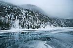 lac Emmuraillé sur les hauteurs du fjord Saguenay. Quebec en hiver. Canada