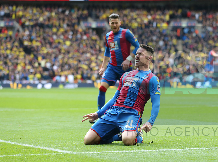 Crystal Palace's Connor Wickham celebrates scoring his sides second goal during the Emirates FA Cup, Semi-Final match at Wembley Stadium, London.  Photo credit should read: David Klein/Sportimage