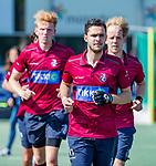 DEN HAAG -  Martijn van Grimbergen (HCKZ)   na de eerste Play out wedstrijd hoofdklasse heren ,  HDM-HCKZ (1-2) . COPYRIGHT KOEN SUYK