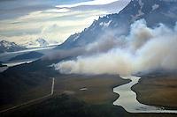 CH06. PUNTA ARENAS (CHILE), 30/12/2011.- Vista del área afectada por un incendio forestal hoy, viernes 30 de diciembre de 2011, en el parque nacional Torres del Paine (Chile). El presidente de Chile, Sebastián Piñera, decretó zona de catástrofe al parque ubicado en la Patagonia chilena, donde han sido destruidas hasta ahora 8.500 hectáreas de bosque nativo y matorrales. EFE/ONEMI/ SOLO USO EDITORIAL