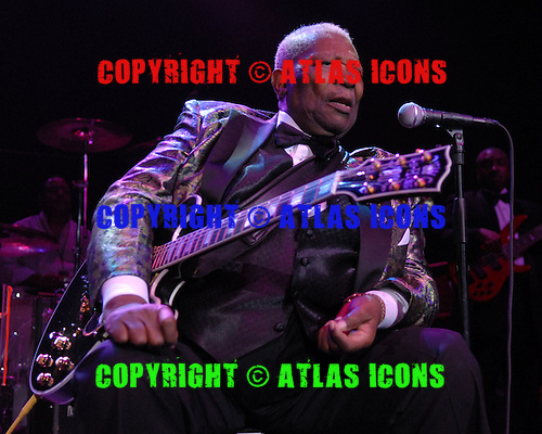 HOLLYWOOD, FL - JULY 24 :  BB King performs live at Hard Rock Live held at The Seminole Hard Rock Hotel & Casino  July 24, 2007 in Hollywood FL.  ( Photo By Larry Marano © 2007