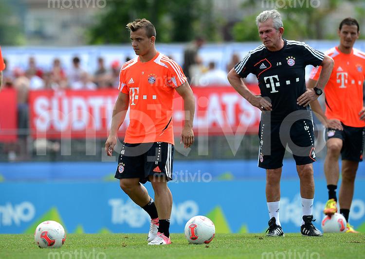 Fussball 1. Bundesliga:  Saison  Vorbereitung 2012/2013     Trainingslager des FC Bayern Muenchen 20.07.2012 Xherdan Shaqiri, Trainer Jupp Heynckes (v. li.,)