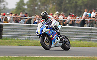 Mat Mladin races to a second place finish in the  final event of his American Superbike career , the AMA Pro Superbike Championship weekend at New Jersey Motorsports Park, in Millville, NJ on Sunday, September 6, 2009.  (Photo by Brian Cleary/www.bcpix.com)