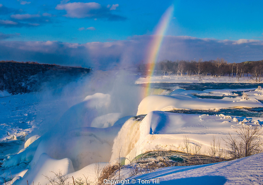 Niagara Falls in winter and rainbow, Niagara Falls State Park, New York, American Falls and Bridalveil Falls