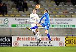 2016-01-09 / Voetbal / Seizoen 2015-2016 / Oosterzonen - Grimbergen / Toon Janssen (l. Oosterzonen) met Nicolas De Mol<br /><br />Foto: Mpics.be
