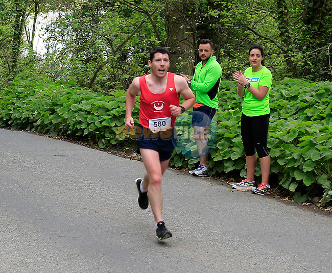 Paul Smith chasing down the leaders at The Boyne 10K run in Drogheda <br /> Picture: www.newsfile.ie