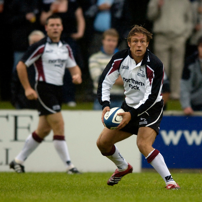 Photo: Jed Wee..Glasgow v Newcastle Falcons. Pre Season Friendly. 18/08/2006...Newcastle's Jonny Wilkinson.
