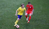 SAMARA - RUSIA, 07-07-2018: Emil FORSBERG (Izq) jugador de Suecia disputa el balón con Kieran TRIPPIER (Der) jugador de Inglaterra durante partido de cuartos de final por la Copa Mundial de la FIFA Rusia 2018 jugado en el estadio Samara Arena en Samara, Rusia. / Emil FORSBERG (L) player of Sweden fights the ball with Kieran TRIPPIER (R) player of England during match of quarter final for the FIFA World Cup Russia 2018 played at Samara Arena stadium in Samara, Russia. Photo: VizzorImage / Julian Medina / Cont