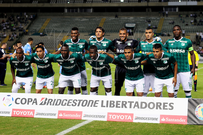 PALMIRA -COLOMBIA-14-04-2016. Deportivo Cali (COL) y Bolívar (BOL) durante partido por la fecha 5, G3, de la Copa Bridgestone Libertadores 2016 jugado en el estadio Palmaseca de la ciudad de Palmira./ Deportivo Cali (COL) and Bolivar (BOL) during match for the date 5, G3, of the Copa Bridgestone Libertadores 2016 played at Palmaseca stadium in Palmira city.  Photo: VizzorImage/ NR /Cont