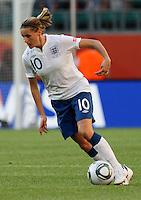 Wolfsburg , 270611 , FIFA / Frauen Weltmeisterschaft 2011 / Womens Worldcup 2011 , Gruppe B  ,  ..England - Mexico ..Kelly Smith (England) ..Foto:Karina Hessland ..
