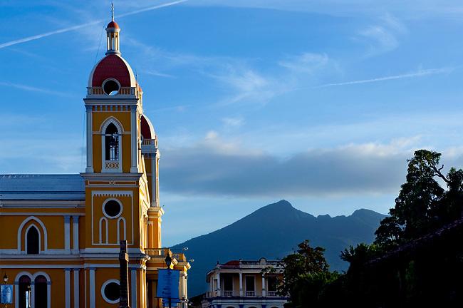 Nicaragua / Granada / Cathedral of Granada / Mombacho Volcano