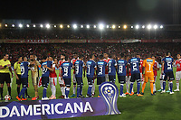 BOGOTÁ -COLOMBIA, 18-09-2018:Acción de juego entre los equipos Independiente Santa Fe  de Colombia y    Millonarios de Colombia durante partido por los octavos de final ,llave A,  de La Copa Conmebol Sudamericana 2018,jugado en el estadio Nemesio Camacho El Campín de la ciudad de Bogotá./Action game between  Independiente Santa Fe of Colombia and   Millonarios of Colombia during game for the knockout round, key A, of the Conmebol Sudamericana Cup  2018, played at the Nemesio Camacho stadium The Campín of the city of Bogotá. Photo: VizzorImage/ Felipe Caicedo / Staff