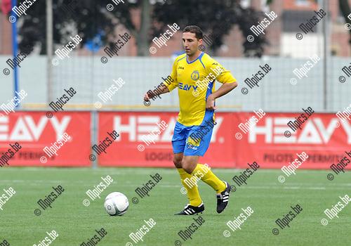 2013-09-22 / Voetbal / seizoen 2013-2014 / Merksem / Kurt Van Dooren<br /><br />Foto: Mpics.be
