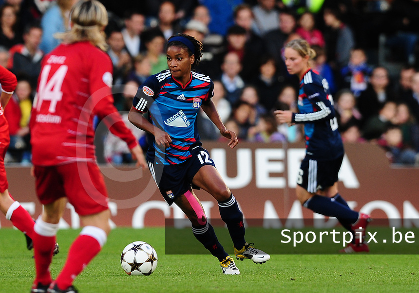Uefa Women 's Champions League Final 2011 at Craven Cottage Fulham - London : Olympique Lyon - Turbine Potsdam : Elodie Thomis.foto DAVID CATRY / JOKE VUYLSTEKE / Vrouwenteam.be.