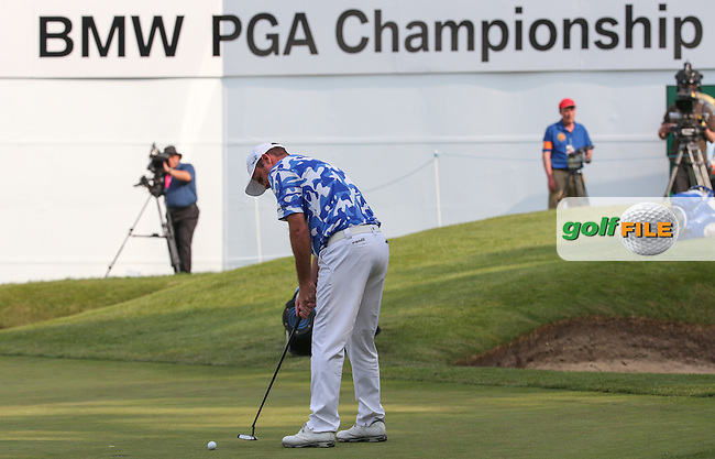 Consecutive eagles on the last make it the lucky hole for Scott Hend (AUS) during Round Three of the 2016 BMW PGA Championship over the West Course at Wentworth, Virginia Water, London. 28/05/2016. Picture: Golffile | David Lloyd. <br /> <br /> All photo usage must display a mandatory copyright credit to &copy; Golffile | David Lloyd.