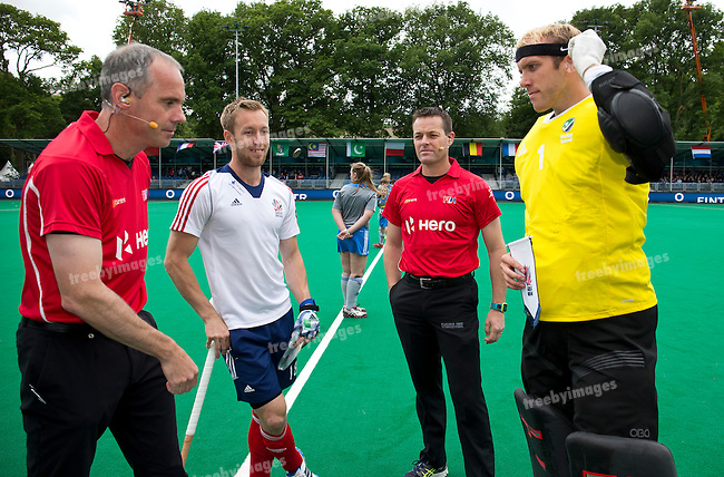 23/06/2015<br /> HWL Semi Final Antwerp Belgium 2015<br /> Ireland v Great Britain Men<br /> Barry Middleton (C) David Harte (c)<br /> <br /> Photo: Grant Treeby