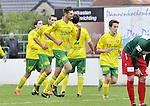 2015-10-18 / voetbal / seizoen 2015-2016 / Witgoor Dessel - Houtvenne / Jelle Schijvenaars (3e van links) (Witgoor Dessel) heeft de 1-0 op het bord getrapt