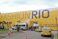 RIO DE JANEIRO, RJ, 11 DE JANEIRO 2012 - FASHION RIO - Entrada principal do evento, no Pier Mauá, na cidade do Rio de Janeiro, nesta quarta-feira, 11. (FOTO: BRUNO TURANO - NEWS FREE).