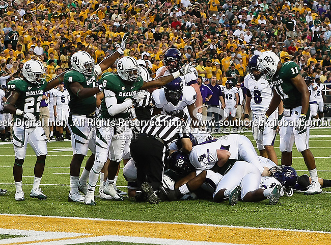 Baylor Bears cornerback Ahmad Dixon (6) in action during the game between the Stephen F. Austin Lumberjacks and the Baylor Bears at the Floyd Casey Stadium in Waco, Texas. Baylor defeats SFA 48 to 0.
