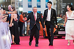 Gary Player and Li Haotong walk the Red Carpet event at the World Celebrity Pro-Am 2016 Mission Hills China Golf Tournament on 20 October 2016, in Haikou, China. Photo by Victor Fraile / Power Sport Images