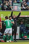 13.04.2019, Weserstadion, Bremen, GER, 1.FBL, Werder Bremen vs SC Freiburg<br /> <br /> DFL REGULATIONS PROHIBIT ANY USE OF PHOTOGRAPHS AS IMAGE SEQUENCES AND/OR QUASI-VIDEO.<br /> <br /> im Bild / picture shows<br /> Spielerwechsel Werder Bremen, Einwechslung Claudio Pizarro (Werder Bremen #04), Auswechslung Yuya Osako (Werder Bremen #08), <br /> <br /> Foto &copy; nordphoto / Ewert