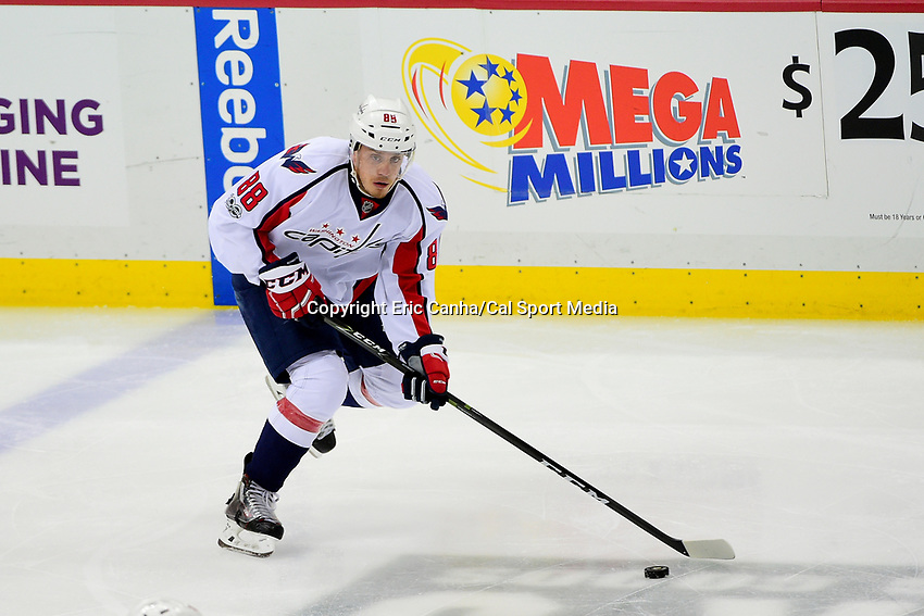 May 8, 2017: Washington Capitals defenseman Nate Schmidt (88) in game action during game 6 of the second round of the National Hockey League Eastern Conference Stanley Cup Playoffs between the Washington Capitals and the Pittsburgh Penguins, held at PPG Paints Arena, in Pittsburgh, PA. Washington defeats Pittsburgh 5-2 to tie the best of seven series 3-3. Eric Canha/CSM