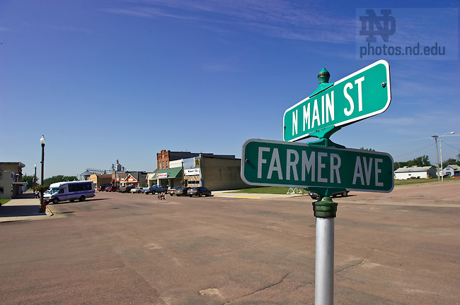 Downtown Howard, South Dakota...For Notre Dame Magazine..Photo by Matt Cashore/University of Notre Dame