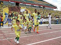 BUCARAMANGA -COLOMBIA, 14-08-2016. Formación del Bucaramanga .Acción de juego entre Bucaramanga y Tolima   durante encuentro  por la fecha 8 de la Liga Aguila II 2016 disputado en el estadio Alfonso ópez./ Team of Bucaramanga .Actions game between  Bucaramanga and  Tolima during match for the date 8 of the Aguila League II 2016 played at Alfonso Lopez stadium . Photo:VizzorImage / Duncan Bustamante / Contribuidor