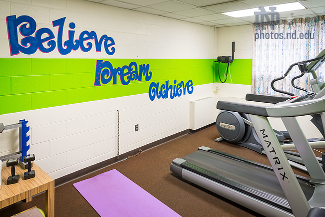 March 20, 2017; Pasquerilla East fitness room prior to 2017 renovation. (Photo by Matt Cashore/University of Notre Dame)