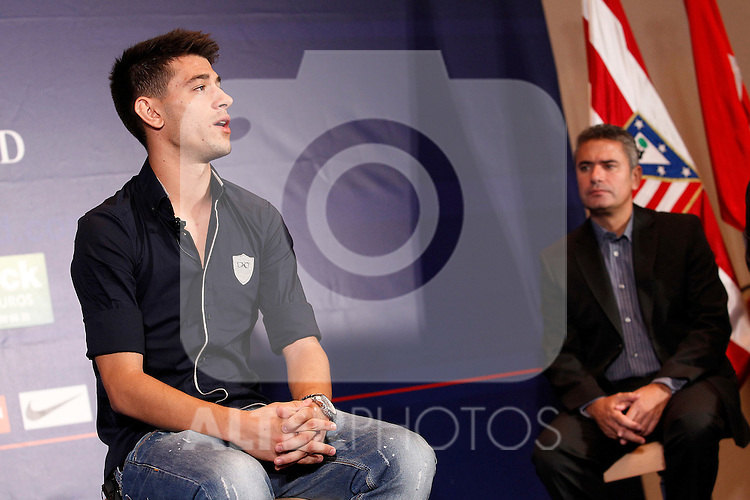 Atletico de Madrid's new player Pizzi during his official presentation with the ex player Manolo Sanchez. August 31, 2011.(ALTERPHOTOS/Acero)