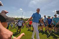 Jordan Spieth (USA) shakes hands with young fans as he approaches the tee on 3 during round 3 of the Houston Open, Golf Club of Houston, Houston, Texas. 3/31/2018.<br /> Picture: Golffile | Ken Murray<br /> <br /> <br /> All photo usage must carry mandatory copyright credit (&copy; Golffile | Ken Murray)