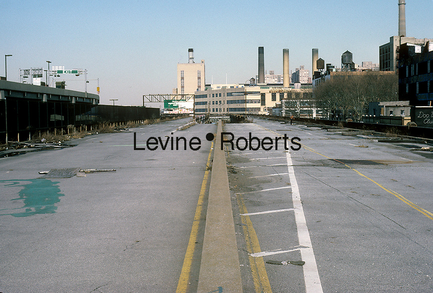 The abandoned West Side Highway in February 1987. Because of years of deferred maintenance a portion of the highway collapsed and upon inspection the entire roadway was condemned. Eventually it was finally torn down. (© Richard B. Levine)