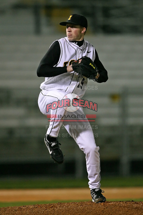 February 20, 2009:  Pitcher Michael Jacobs (19) of the University of Iowa during the Big East-Big Ten Challenge at Jack Russell Stadium in Clearwater, FL.  Photo by:  Mike Janes/Four Seam Images