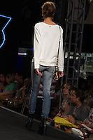 S&Atilde;O PAULO-SP-03.03.2015 - INVERNO 2015/MEGA FASHION WEEK -Grife Claudia Rabelo/<br /> O Shopping Mega Polo Moda inicia a 18&deg; edi&ccedil;&atilde;o do Mega Fashion Week, (02,03 e 04 de Mar&ccedil;o) com as principais tend&ecirc;ncias do outono/inverno 2015.Com 1400 looks das 300 marcas presentes no shopping de atacado.Br&aacute;z-Regi&atilde;o central da cidade de S&atilde;o Paulo na manh&atilde; dessa segunda-feira,02.(Foto:Kevin David/Brazil Photo Press)