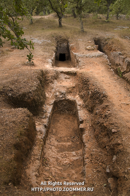 Late Minoan Cemetery of Armeni, Rethymno, Crete