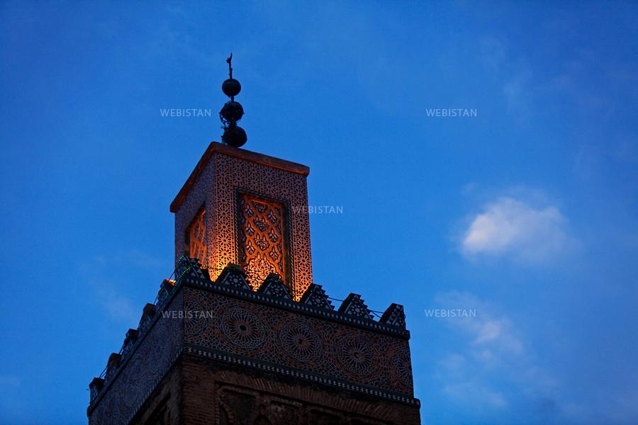 Algerie. Region de Tlemcen.  16 mai 2011. Detail du minaret de la mosquee qui domine le mausolee du Saint Soufi Sidi Boumediene.<br /> <br /> <br /> Algeria,Tlemcen region. May 16th 2011. Details of the minaret of the mosque that sits on top of the mausoleum of Saint Sufi Sidi Boumediene.