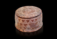 Minoan cylindrical pyxis with lid (jewel box) with incised decoration, Knossos 1900-1800 BC; Heraklion Archaeological  Museum.