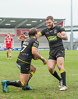 Picture by Allan McKenzie/SWpix.com - 07/04/2018 - Rugby League - Betfred Super League - Salford Red Devils v Warrington Wolves - AJ Bell Stadium, Salford, England - Warrington's Tyrone Roberts is congratulated byb Daryl Clark on scoring a try against Salford.