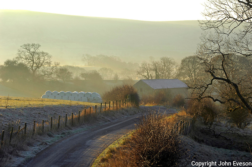 Frosty morning near Chipping, Lancashire...Copyright John Eveson 01995 61280.j.r.eveson@btinternet.com