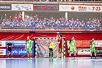 Eskilstuna 2014-05-12 Handboll SM-semifinal 3 Eskilstuna Guif - Alings&aring;s HK :  <br /> Alings&aring;s supportrar p&aring; ena kortsidan bakom ett n&auml;t i Sporthallen under matchen<br /> (Foto: Kenta J&ouml;nsson) Nyckelord:  Eskilstuna Guif Sporthallen Alings&aring;s AHK SM Semifinal Semi supporter fans publik supporters