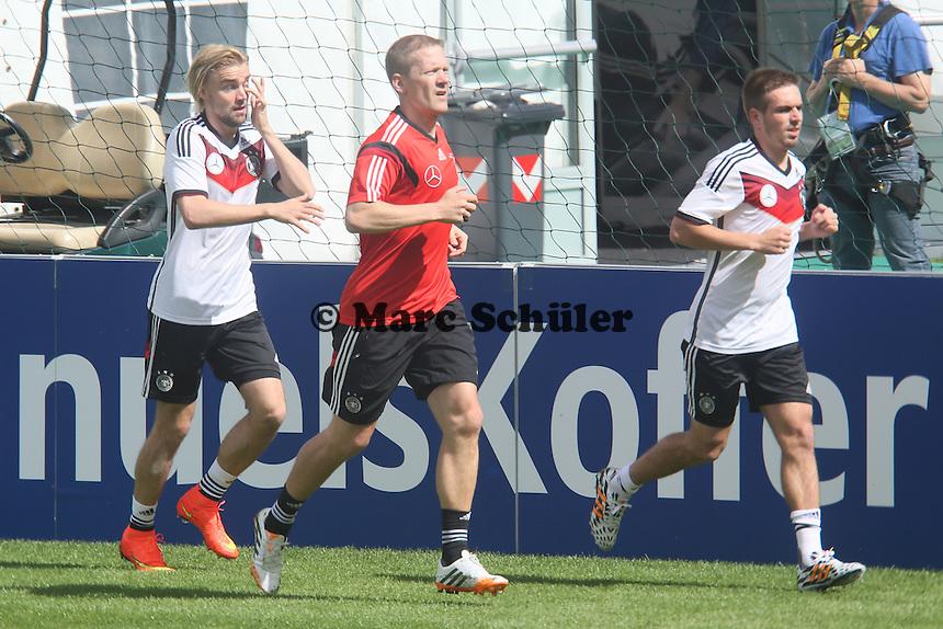 Marcel Schmelzer und Philipp Lahm im Lauftraining - Training der Deutschen Nationalmannschaft  zur WM-Vorbereitung in St. Martin