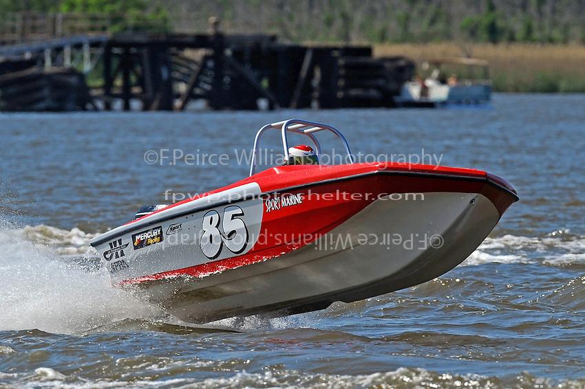 Reuben Stafford (#85) (Tri-Hull class)