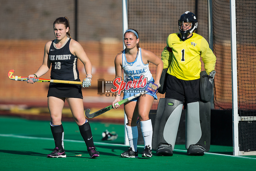 Gab Major (27) of the North Carolina Tar Heels takes up position in front of the goal between Shannon Eby (19) and Valerie Dahmen (1) of the Wake Forest Demon Deacons during second half action at Kentner Stadium on October 23, 2015 in Winston-Salem, North Carolina.  The Demon Deacons defeated the Tar Heels 3-2.  (Brian Westerholt/Sports On Film)