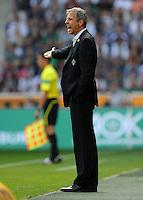 FUSSBALL   1. BUNDESLIGA   SAISON 2011/2012    7. SPIELTAG Borussia Moenchengladbach - 1. FC Nuernberg         24.09.2011 Trainer Lucien FAVRE (Moenchengladbach) engagiert an der Seitenlinie