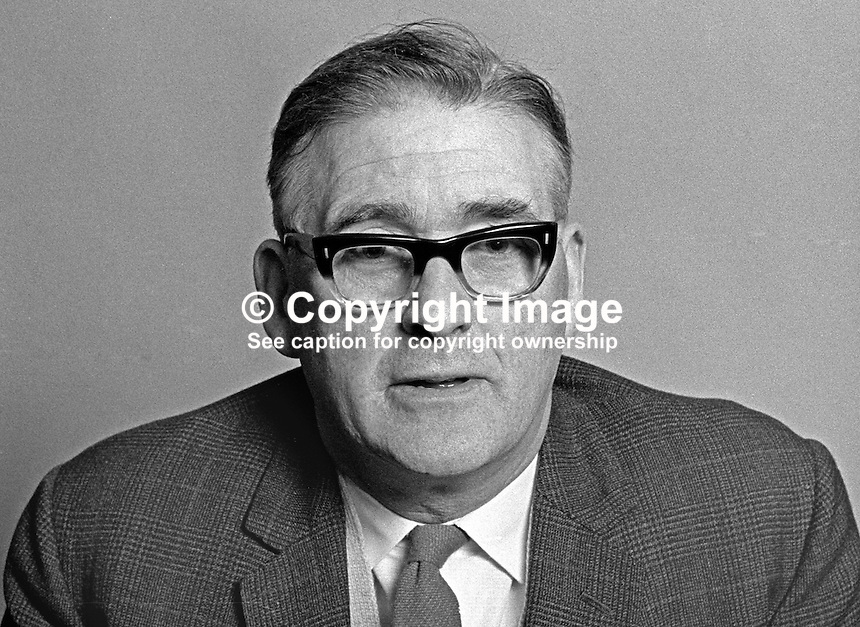 Albert Shaw, member, Ulster Unionist, Belfast Corporation, N Ireland, UK, 197101010042b<br />