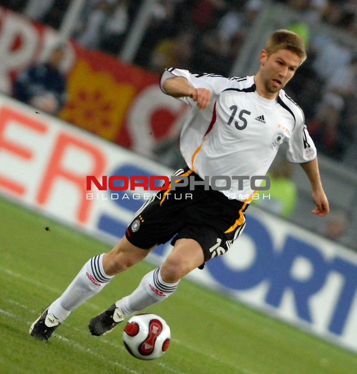 Freundschaftsspiel Vorbereitung EM 2007 <br /> <br /> Deutschland (GER) - Daenemark (DEN) 0 - 1<br /> <br /> Thomas Hitzlsperger (GER)<br /> <br /> Foto &copy; nph (  nordphoto  )  *** Local Caption ***